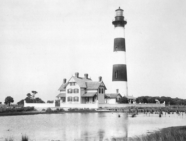 Morris Island Lighthouse With Dwelling