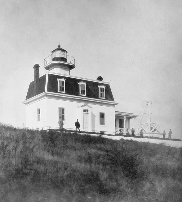 North Dumpling Lighthouse, New York at Lighthousefriends.com