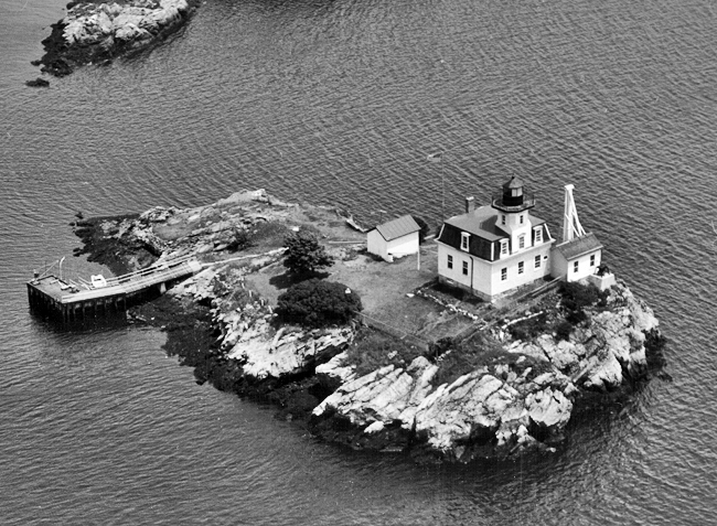 Pomham Rocks Lighthouse Rhode Island At Lighthousefriends Com