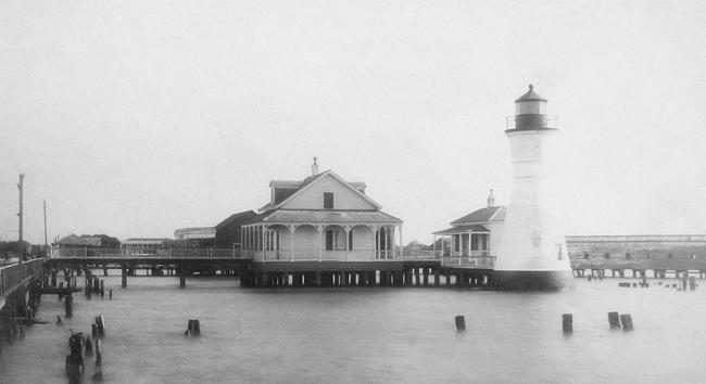 port pontchartrain lighthouse  louisiana at lighthousefriends com