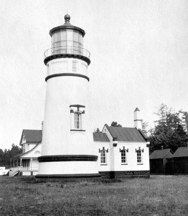 Umpqua River Lighthouse, Oregon At Lighthousefriends.com