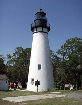 fernandina beach dating Single and thinking of moving to florida  fernandina beach is on an island just south of the georgia florida border right on the atlantic coast.