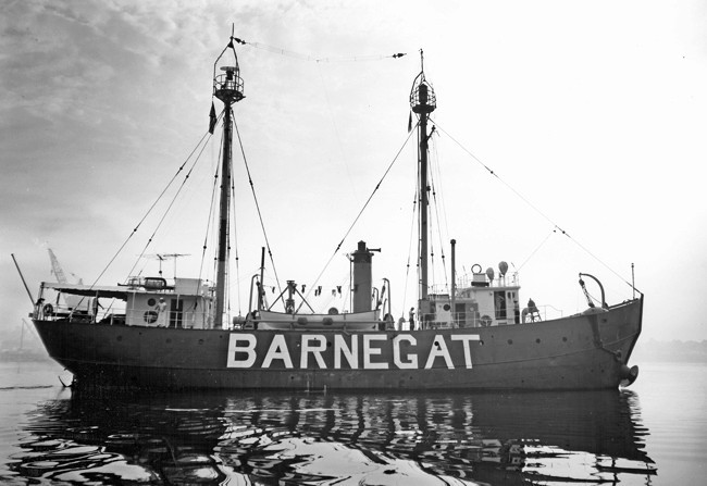 lightship barnegat lv 79  wal 506 lighthouse  new jersey at