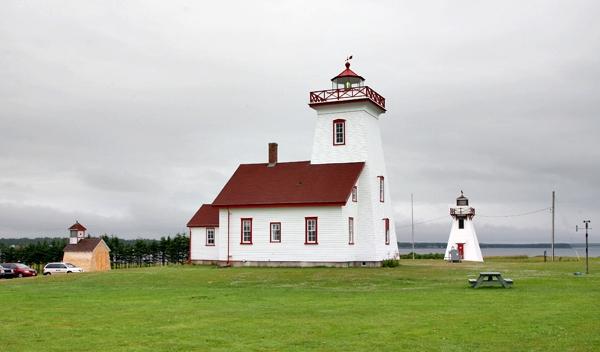 wood islands range front lighthouse  prince edward island